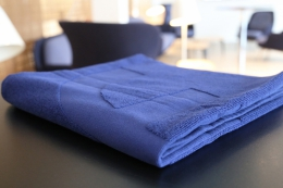 Bath towel in blue