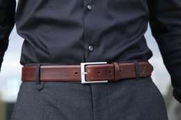 Leather belt in mocca